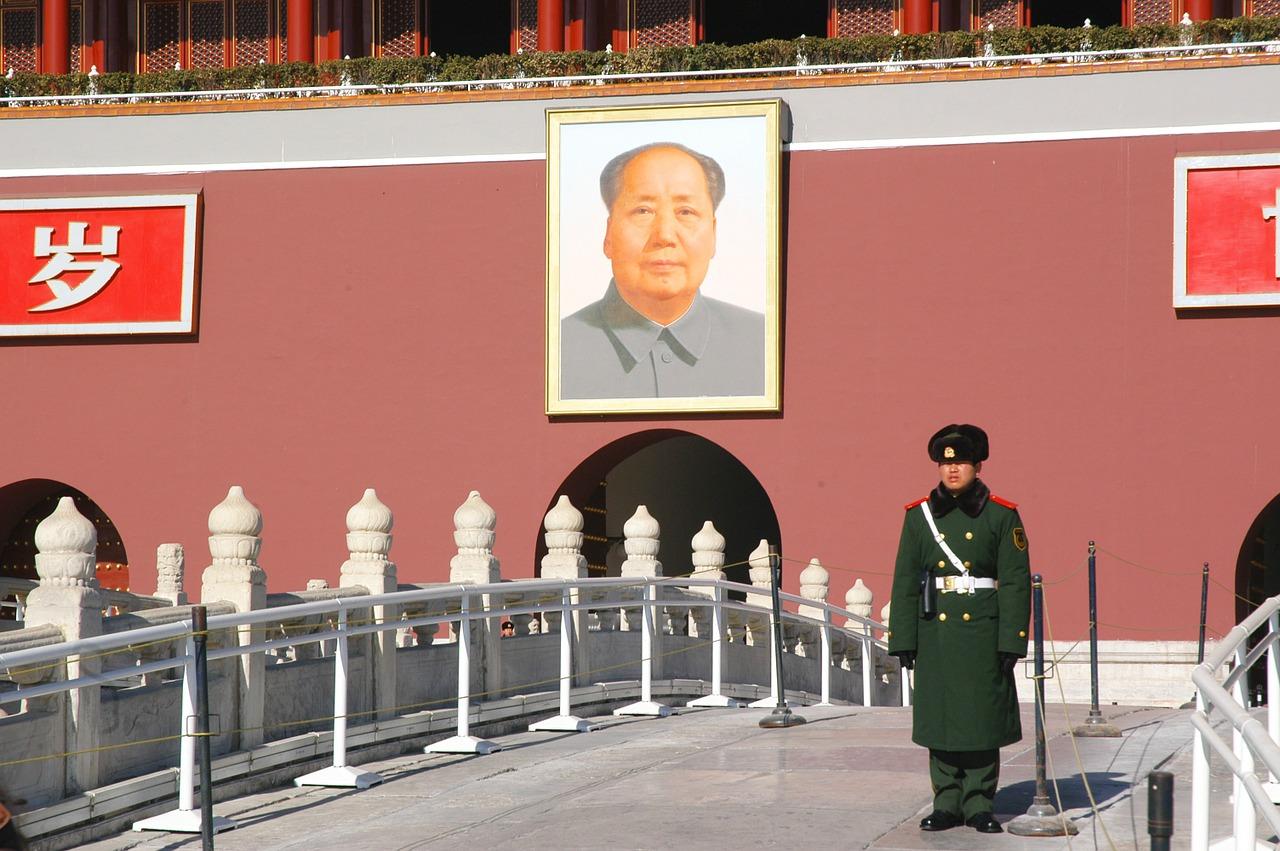 Dictators' Devotees