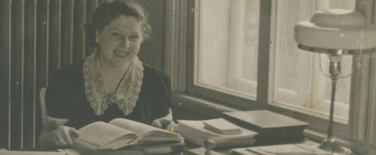 Lucy Dawidowicz in an undated photo