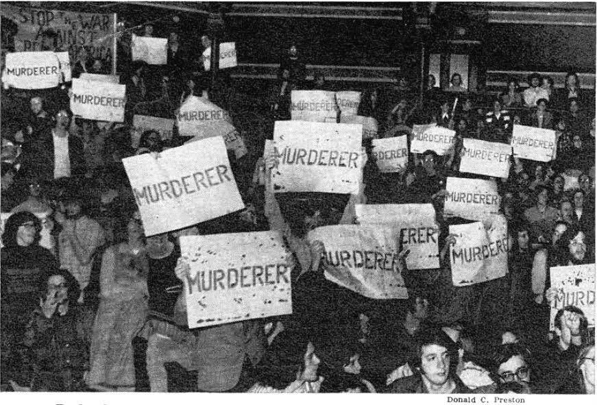 Students protest counter teach in at Harvard, 1971